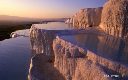 Уникальные природные бассейны в Турции - Памуккале